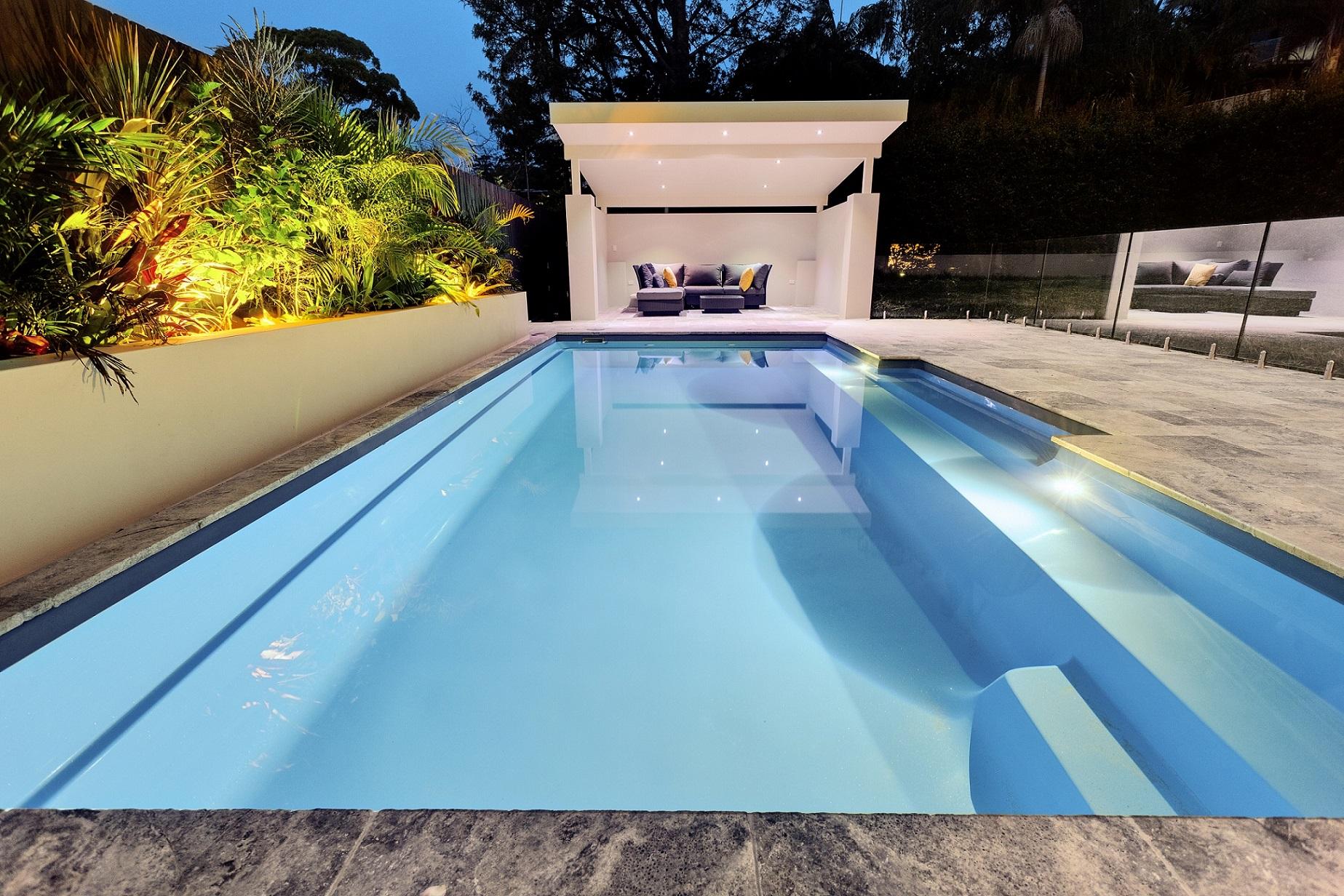 Symphony piscine creusée Narellan en fibre de verre - Cobalt bleu - Ladouceur