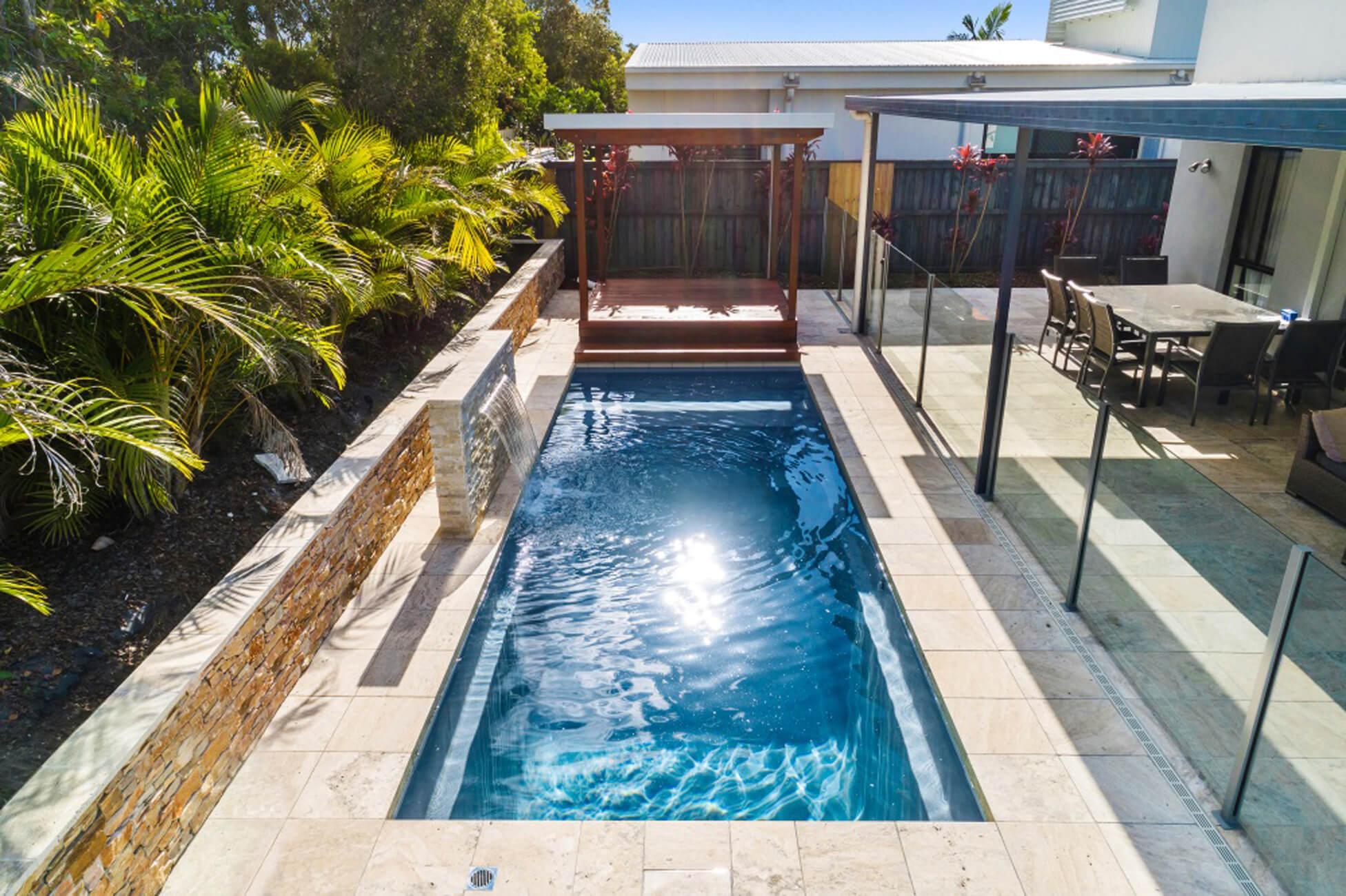 Nirvana 7 piscine creusée contemporaine fibre de verre de Narellan gris quartz - Ladouceur