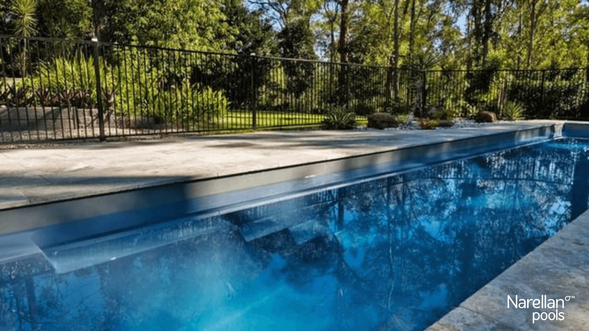 Panama piscine creusée de nage fibre de verre Ladouceur paysagiste